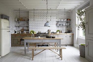 modèle déco cuisine gris clair
