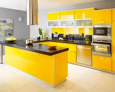 modèle déco cuisine jaune et gris