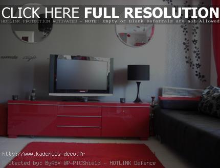 agencement déco maison gris et rouge