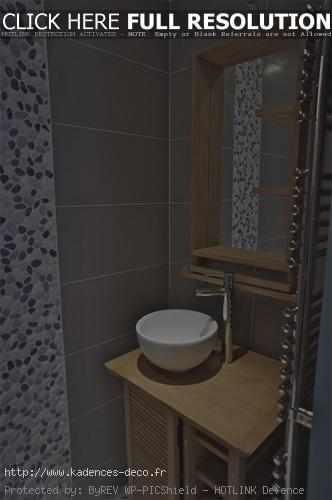 aménagement déco salle de bain avec galets
