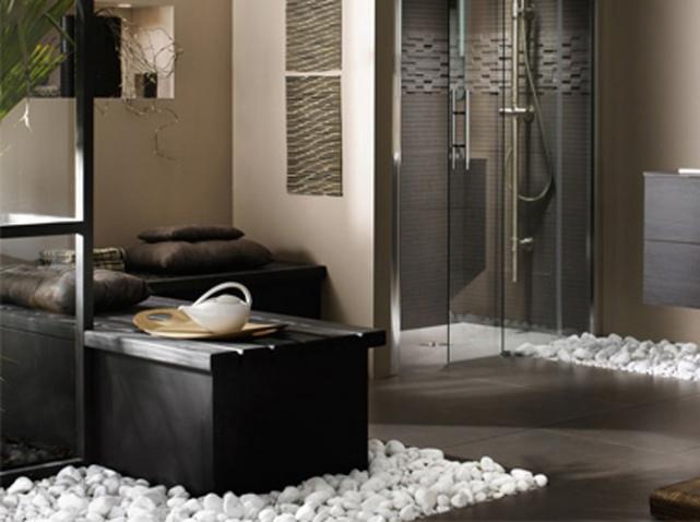 photo déco salle de bain avec galets