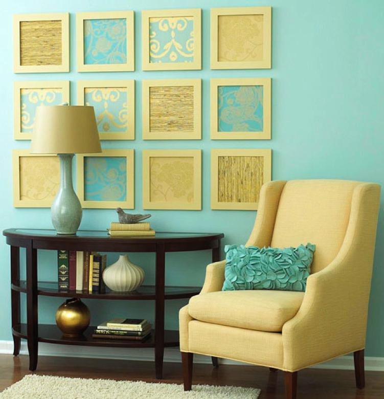 agencement déco salon bleu et jaune