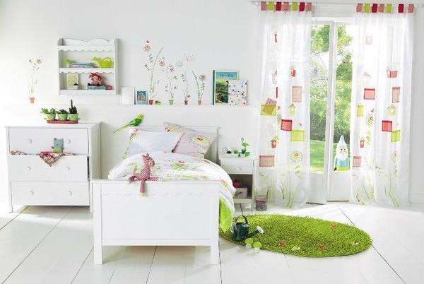 Décoration chambre bebe theme jardin