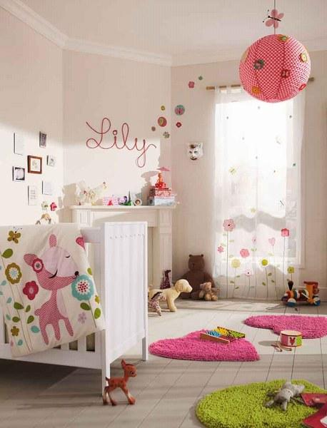 exemple décoration chambre bebe theme jardin