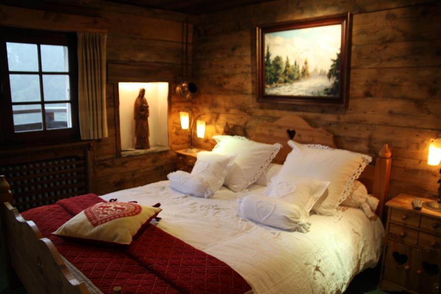 modèle décoration chambre bois montagne