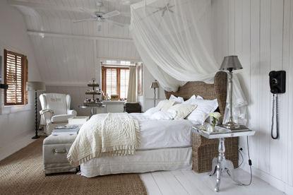 aménagement décoration chambre toute blanche