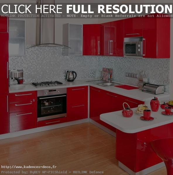 Décoration cuisine blanc et rouge