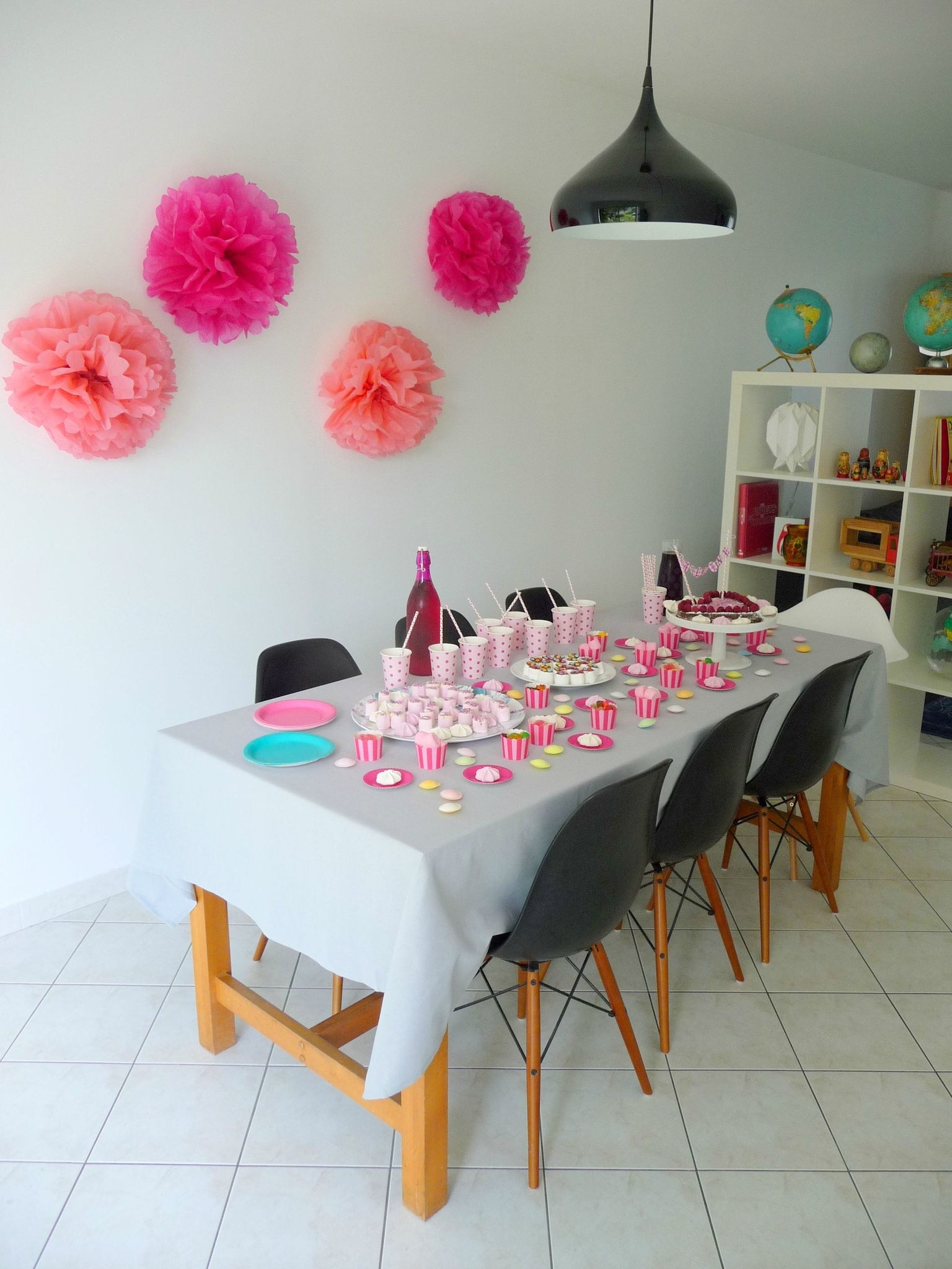 univers décoration maison pour anniversaire