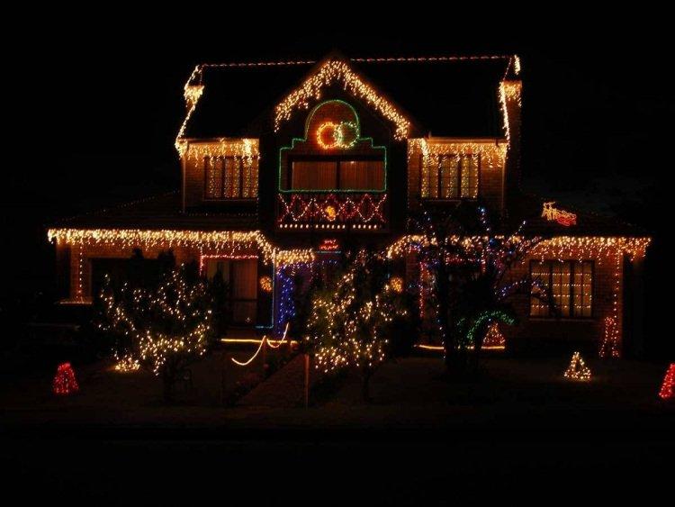 modèle décoration noel maison lumineuse