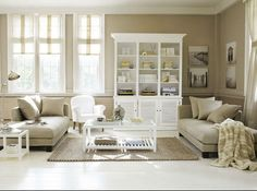 exemple décoration salon beige blanc