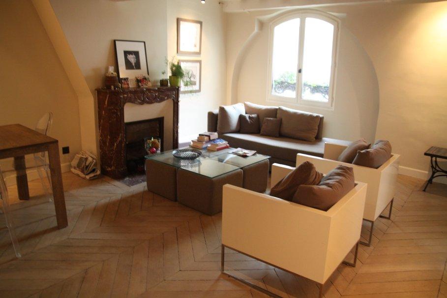 organisation décoration salon parquet bois