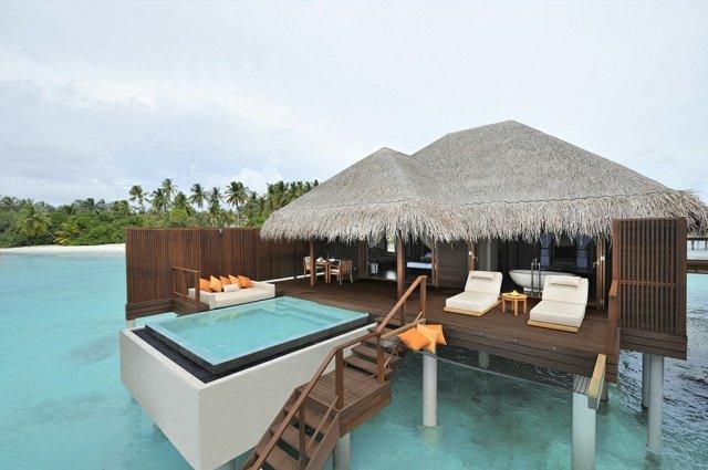 idée décoration terrasse piscine bois